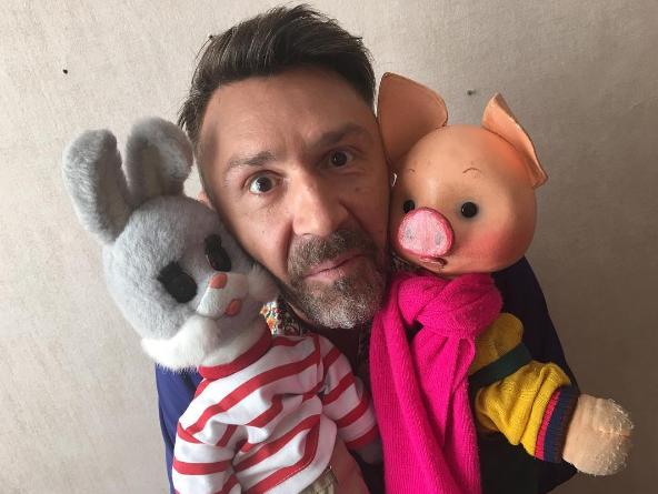 Шнуров стал создателем песни для нового шоу «С хорошим утром, дети!»