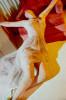 Дакота Джонсон встречается с мужем Гвинет Пэлтроу и снимается для Allure (7 ФОТО)