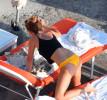 Эмма Уотсон в бикини и купальнике на пляже