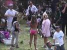 Бруклин Деккер и Дженнифер Энистон в бикини