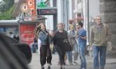 На прогулку с мамой с гордо поднятой головой. Лиза Арзамасова