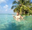 Анастасия Волочкова отдыхает на Мальдивах с Дедом Морозом (9 ФОТО)