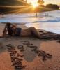 Алессандра Амбросио передает вам привет с прекрасного пляжа