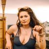 18-летняя звезда сериала «Бесстыдники» Эмма Кинни и ее глаза