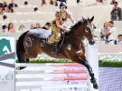 Кейли Куоко на соревнованиях по конному спорту