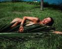 Ольга Бузова снялась голой в обнимку с деревом