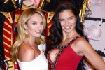 Кэндис Свэйнпол и Адриана Лима на пресс-конференции бренда Victoria's Secret