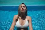 Мария Горбань сверкнула грудью в бассейне