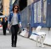 Оливия Уайлд выгуливает пса Пако в Нью-Йорке