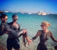 Пэрис Хилтон принимает грязевые ванны на Ибице