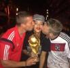 Рианна с победителями Чемпионата мира по футболу 2014