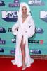 Рита Ора пришла на церемонию MTV Europe Music Awards в халате из отеля и с полотенцем на голове