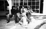 Ретрофото. Rolling Stones и поклонница на вилле продюсера Стивена Стиллза. Лос–Анджелес. 1969 год