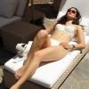 Эмми Россум принимает солнечные ванны