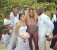 Серена Уильямс пришла на свадьбу в леопардовом купальнике