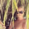 Анастасия Волочкова продолжает бомбардировать своими голыми фото с Мальдив