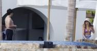 Дженнифер Энистон в купальнике фото