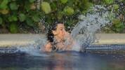 Ким Кардашян в мокрой майке
