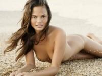 Крисси Тейген разделась для пляжной фотосессии (15 ФОТО)