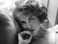 Николь Кидман в образе сексапильной домохозяйки для журнала Interview (9 ФОТО)