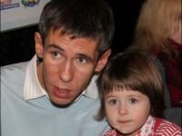 Алексей Панин три дня ищет пропавшую дочь на вокзале