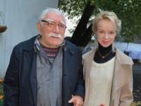 80-летний Армен Джигарханян женился