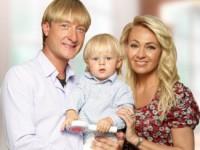 Трехлетний сын Плющенко и Рудковской стал миллионером (ВИДЕО)