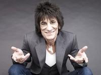 68-летний гитарист The Rolling Stones стал отцом близняшек