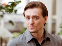 Сергей Безруков предстал в образе артиста балета в новом фильме Анны Матисон (ВИДЕО)