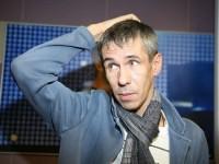 Алексей Панин позировал голым с собакой (ФОТО)