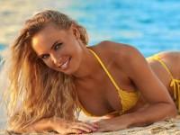 Каролин Возняцки в каталоге купальников Sports Illustrated Swimsuit Issue 2017 (ФОТО и ВИДЕО)