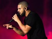 """Дрейк стал """"Артистом года"""" по версии Billboard"""