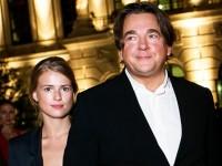 Эрнст женился на молодой актрисе