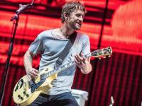 Гитарист Foo Fighters продаст коллекцию музыкальных инструментов (ФОТО и ВИДЕО)