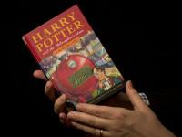 Редкая книга о Гарри Поттере продана за $73 тысячи