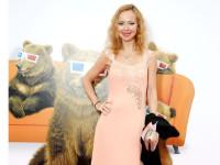 Елена Захарова сменила имидж многодетной матери-одиночке из Ярославля (ФОТО)