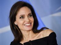 У Анджелины Джоли парализовало лицо