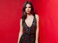 Эмили Ратаковски выпустила коллекцию нижнего белья (ФОТО)
