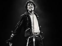 Радиостанции бойкотируют песни Джексона