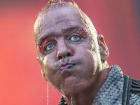 Солиста Rammstein Тилля Линдеманна госпитализировали с коронавирусом