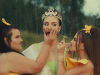 «Вы что, совсем с ума сошли?» Little Big сняли клип с усатой победительницей «Евровидения»