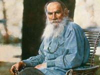 Россияне считают Толстого и Достоевского великими поэтами