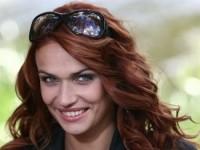 Алена Водонаева осваивает танцы у шеста (ФОТО)
