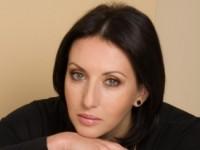 Алика Смехова осталась без меховой накидки