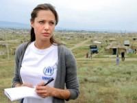 Анджелине Джоли вручат «Оскар» за помощь людям