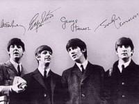 Альбомы The Beatles снова выпустят на виниловых пластинках