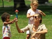 Топ-10 знаменитых многодетных мам