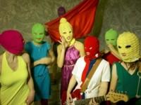 Pussy Riot сожгли изображение Владимира Путина (ВИДЕО)