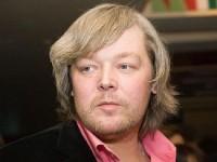 Из-за ожирения Александр Стриженов вынужден ходить на костылях