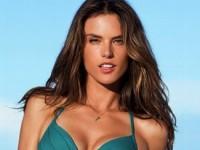 Алессандра Амбросио выпустила собственную коллекцию купальников (ФОТО)